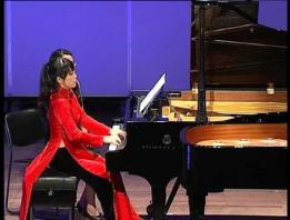 Embedded thumbnail for Video: Duo piano Vũ hội đêm rằm - Hoàng Cương