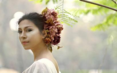 """Ca sĩ Quỳnh Hoa: Nhớ nhung một """"Thời hoa đỏ"""""""