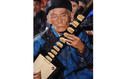 Kép đàn ca trù Nguyễn Phú Đẹ