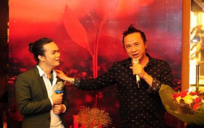 Lê Khoa hát Lê Minh Sơn