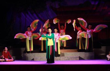 Hát chèo trong tiềm thức dân gian Việt