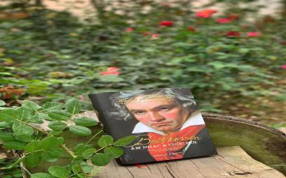 """Nhận định về cuốn """"Beethoven: Âm nhạc và cuộc đời"""" -Triển vọng xuất bản sách về nhạc cổ điển trên thị trường Việt Nam hiện nay"""